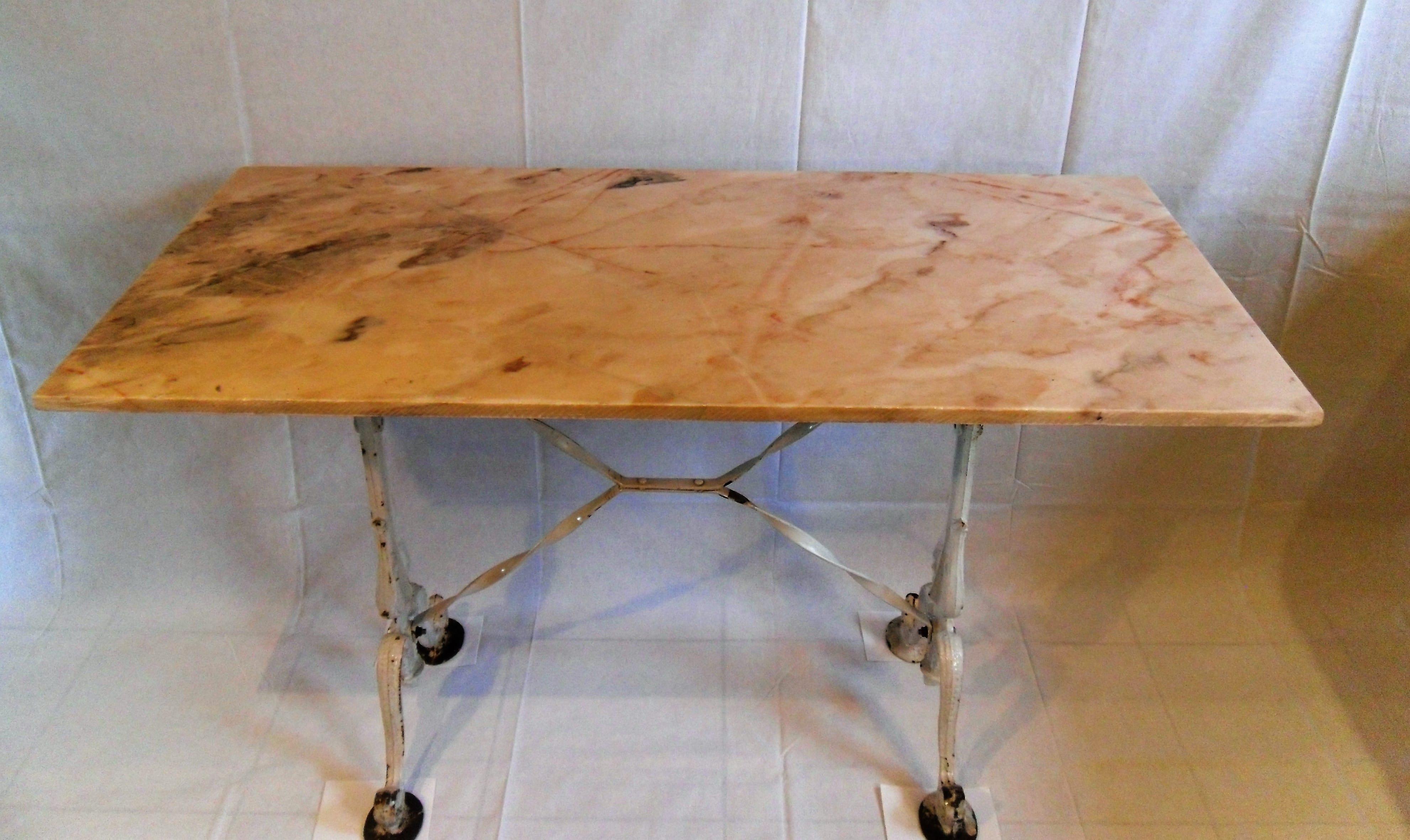 Franse Tuintafel Met Marmeren Blad.Antieke Retro Smeedijzeren Bistro Tafel Met Marmeren Blad