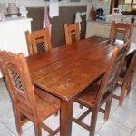 antieke tafel met 6 stoelen