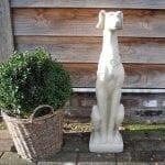 stenen beeld hond 1