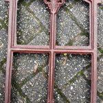 gietijzeren raam met levensboom 30 cm x 47 cm