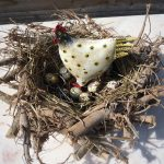houten krans nest met kip