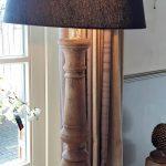 staande houten lamp met kap