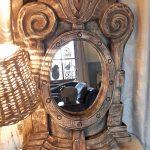 houten ornament met spiegel